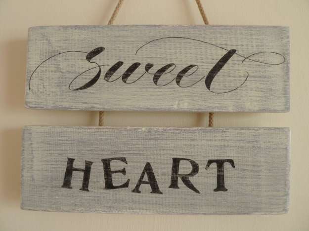 calligraphy-inspired-lettering-and-contrasting-font-on-wooden-hanging-sign-devon-uk