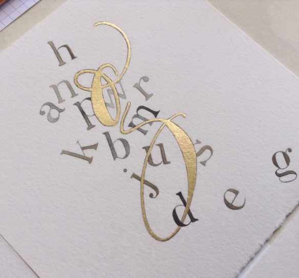 gilded-letter-g-modern-calligraphy-uk