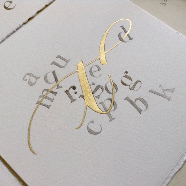 gilded-letter-t-contemporary-lettering-and-modern-calligraphy-uk