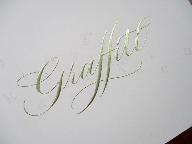 gilded-calligraphy-gold-graffiti-uk