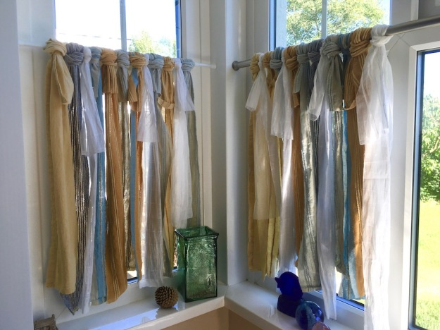 rag-curtains-for-bay-window